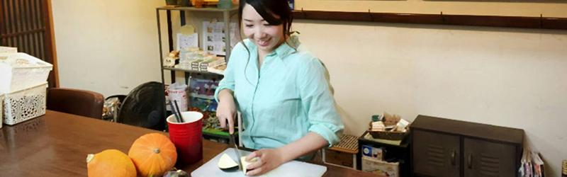 関西のカフェで街と人をつなぐオーナーの物語